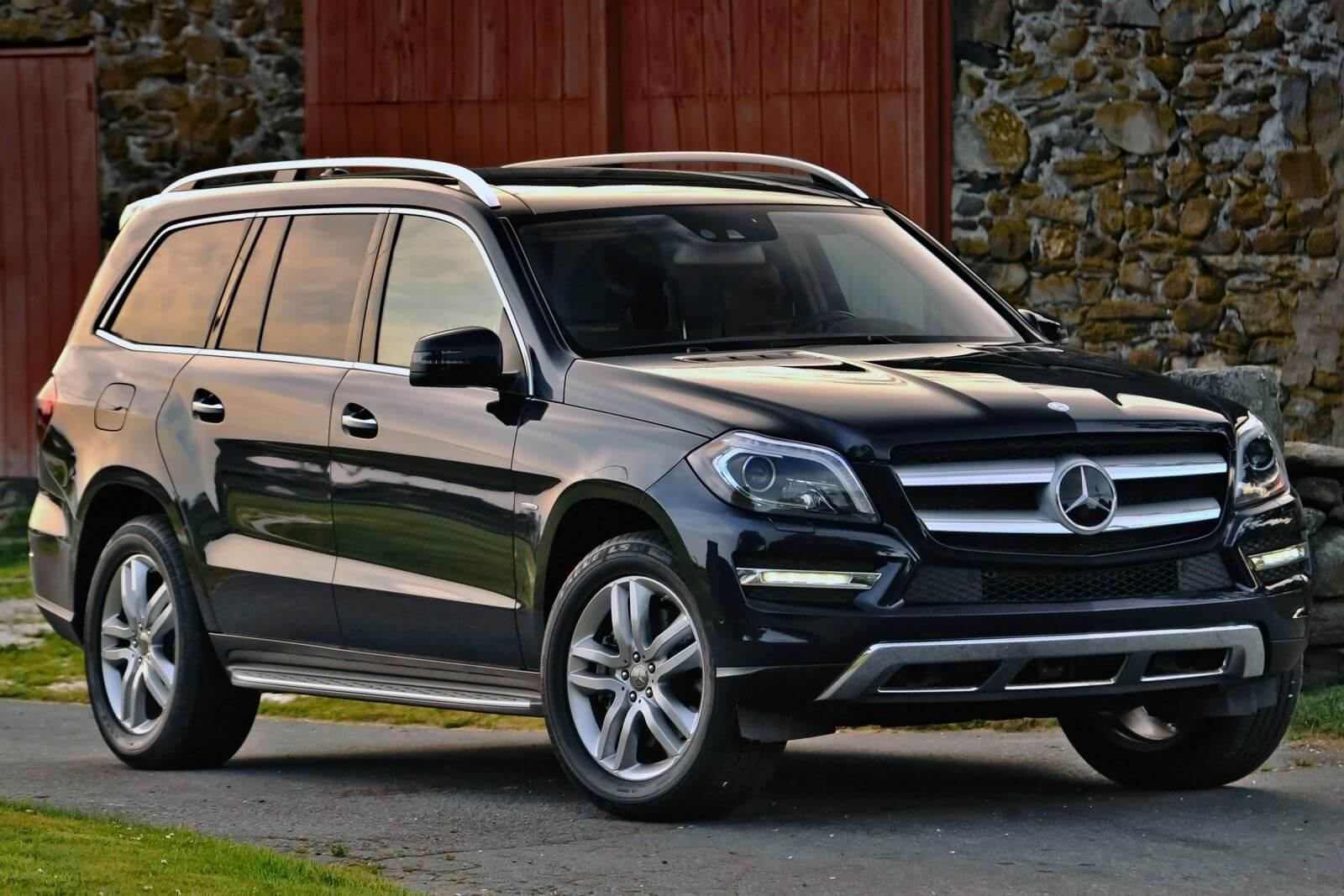 10 most fuel efficient suvs crossovers for Mercedes benz residual value