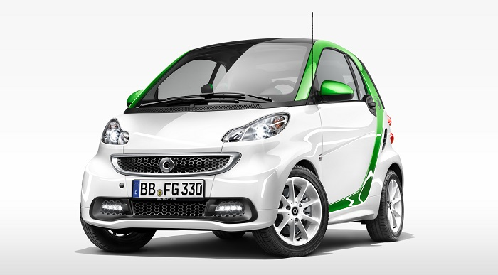 white and green Smart Electric Drive