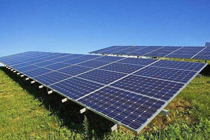 Solar Farms Pros and Cons: 7 Facts We Can't Deny