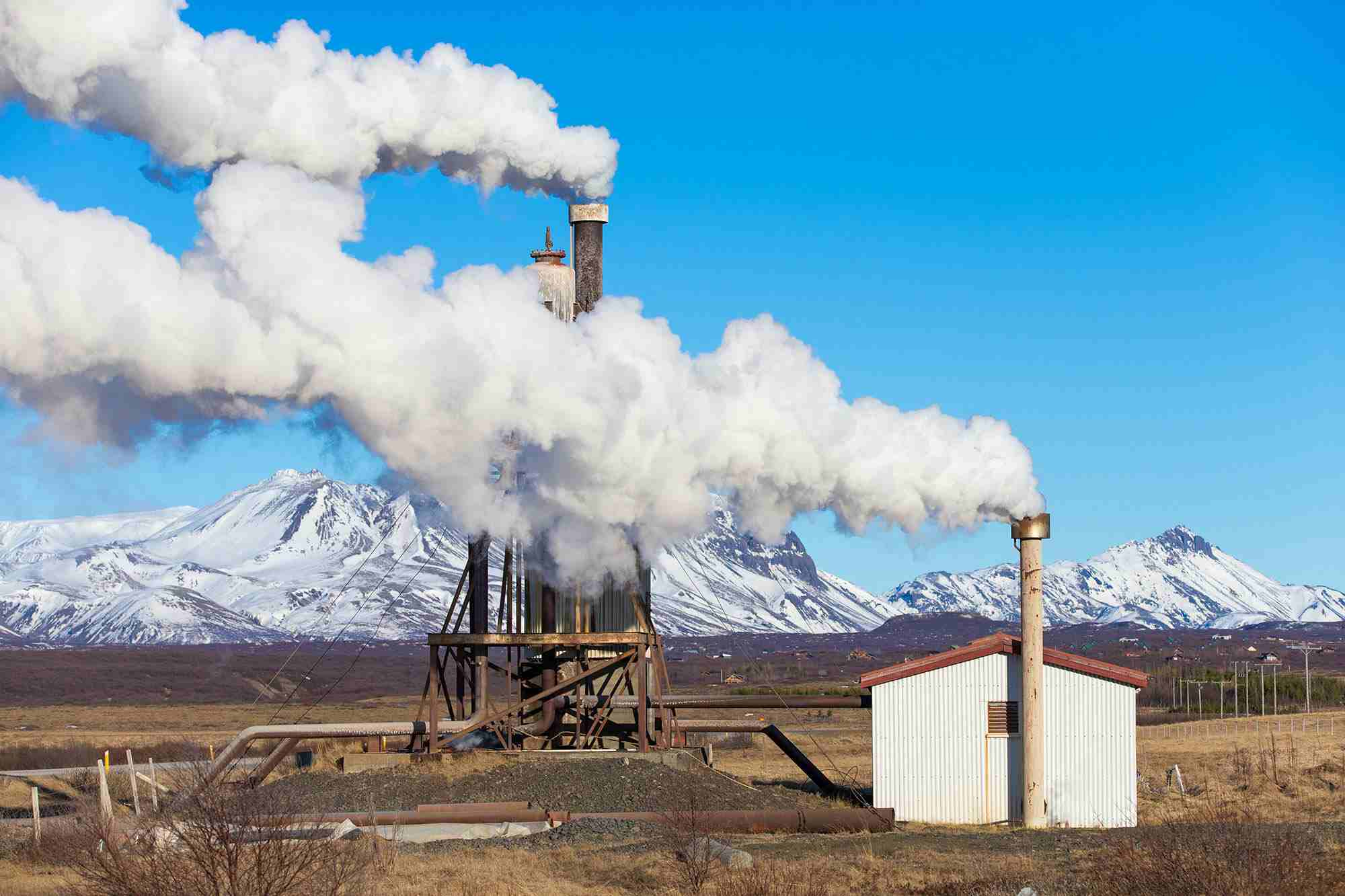 10 Geothermal Energy Pros And Cons Theearthproject Com